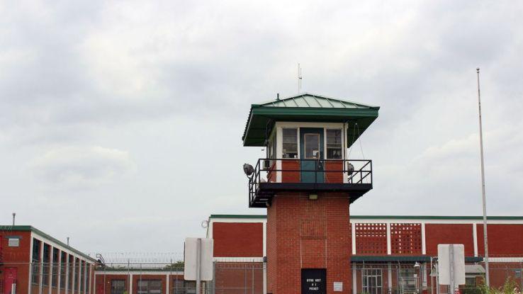 Des prisonniers sauvent la vie d'un gardien