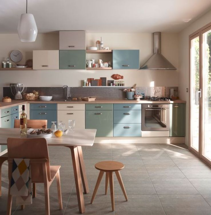 Sp cial couleur jouez les bons accords dans la cuisine sfr news - Credence bleu petrole ...