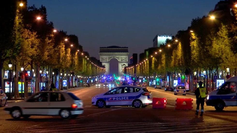 Fusillade aux Champs Elysée  E7c8e3d6c5ff4720a3a8751953a7c-1
