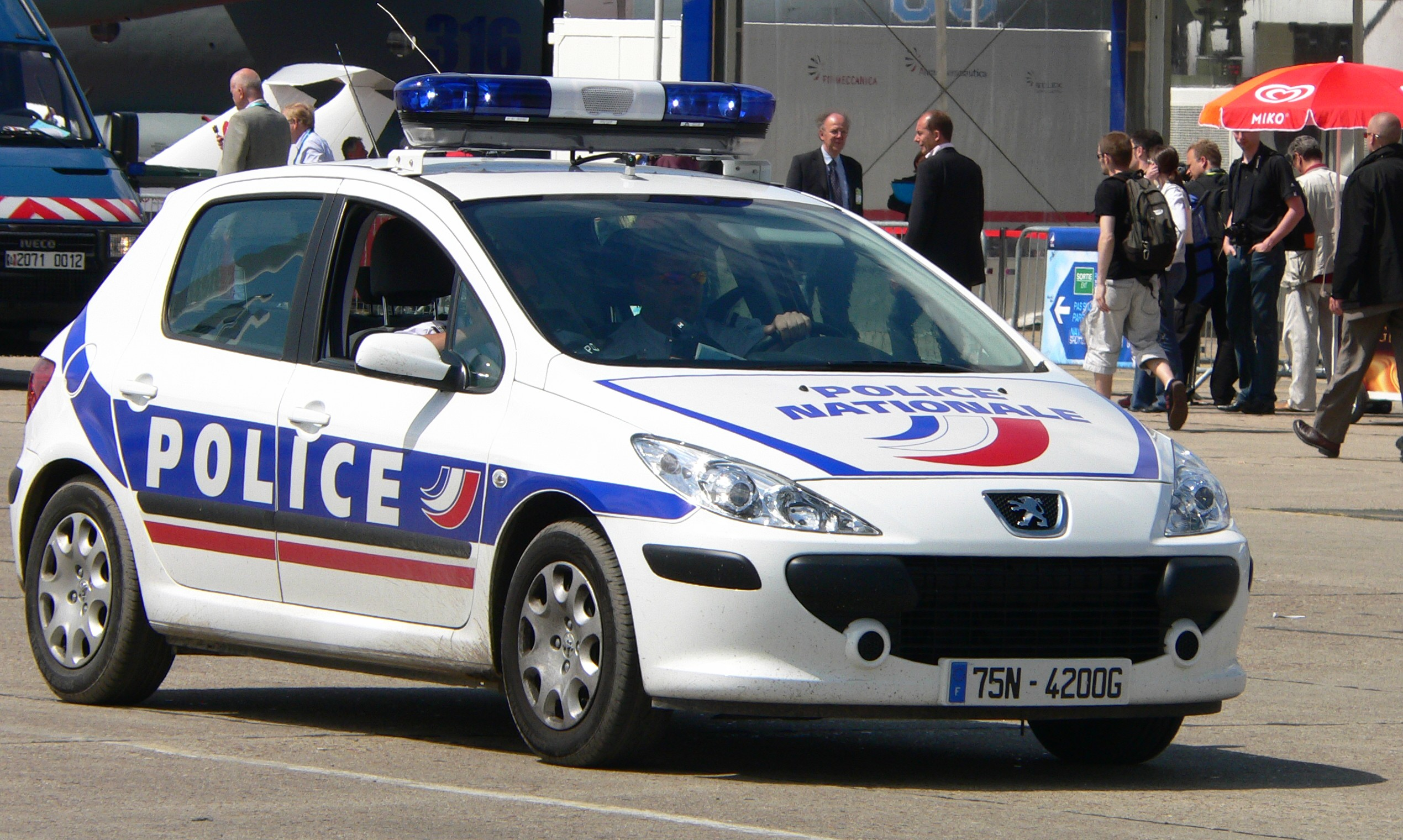 http://static.s-sfr.fr/media/french_police_p1230006-13.jpg