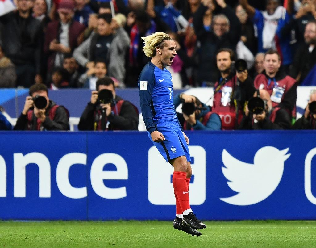 Pogba encense Martial — Equipe de France