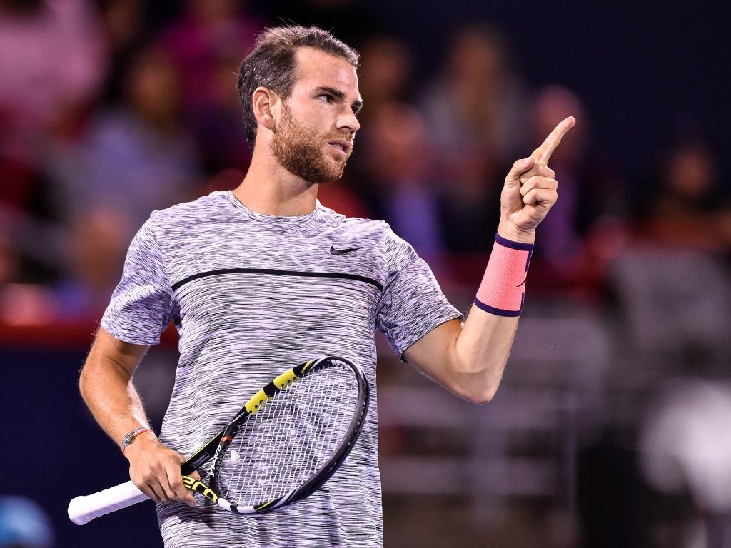 Federer, intraitable contre Paire, attend Mannarino à Bâle — Tennis