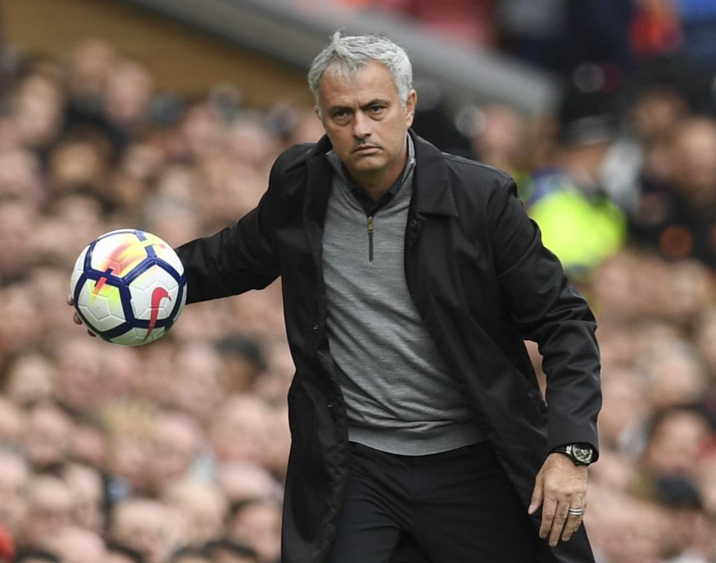 Mourinho ne part pas pour le PSG — Man United