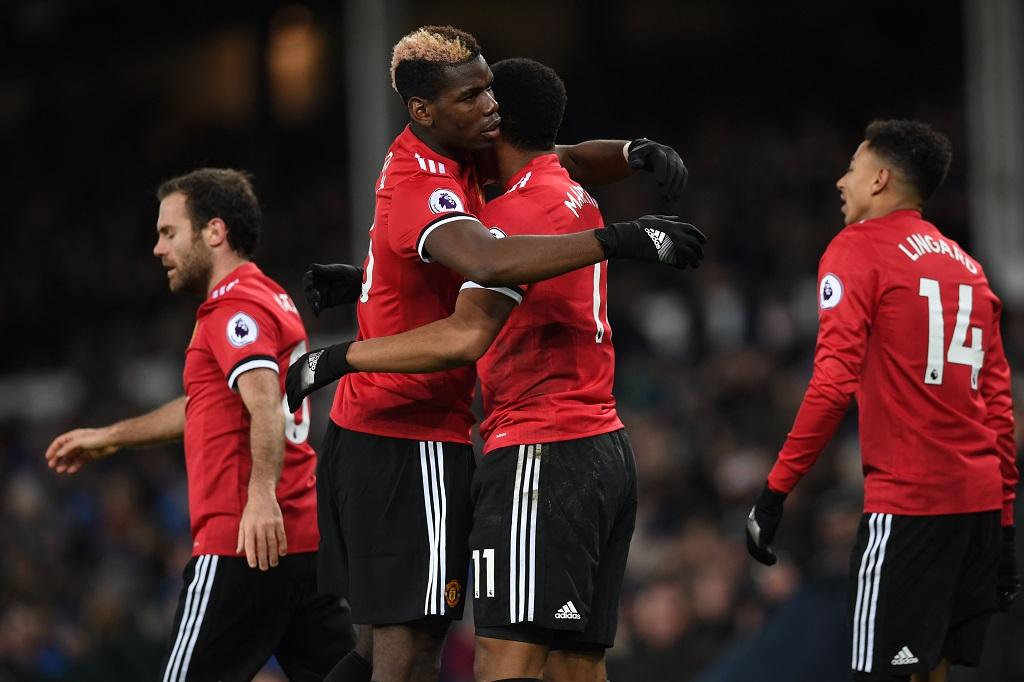 Mourinho s'attaque à une légende du club — Manchester United