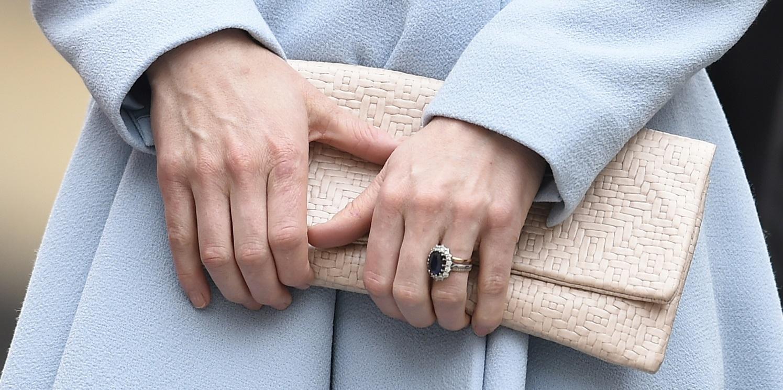Pourquoi Kate Middleton ne porte-t-elle plus sa bague de fiançailles ...