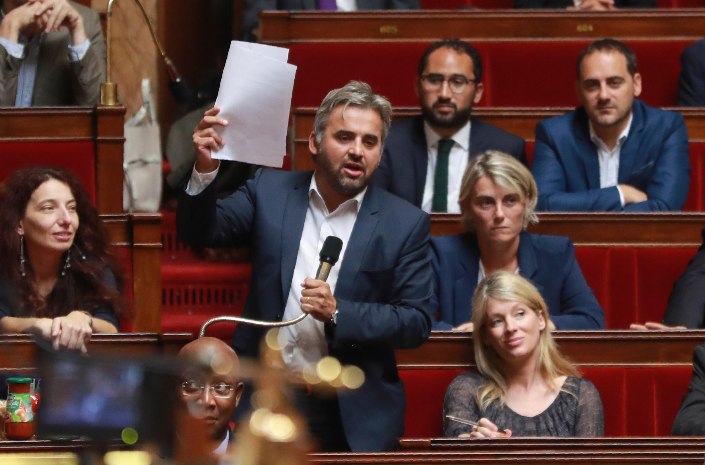 Venezuela: Mélenchon défend sa position en attaquant Macron