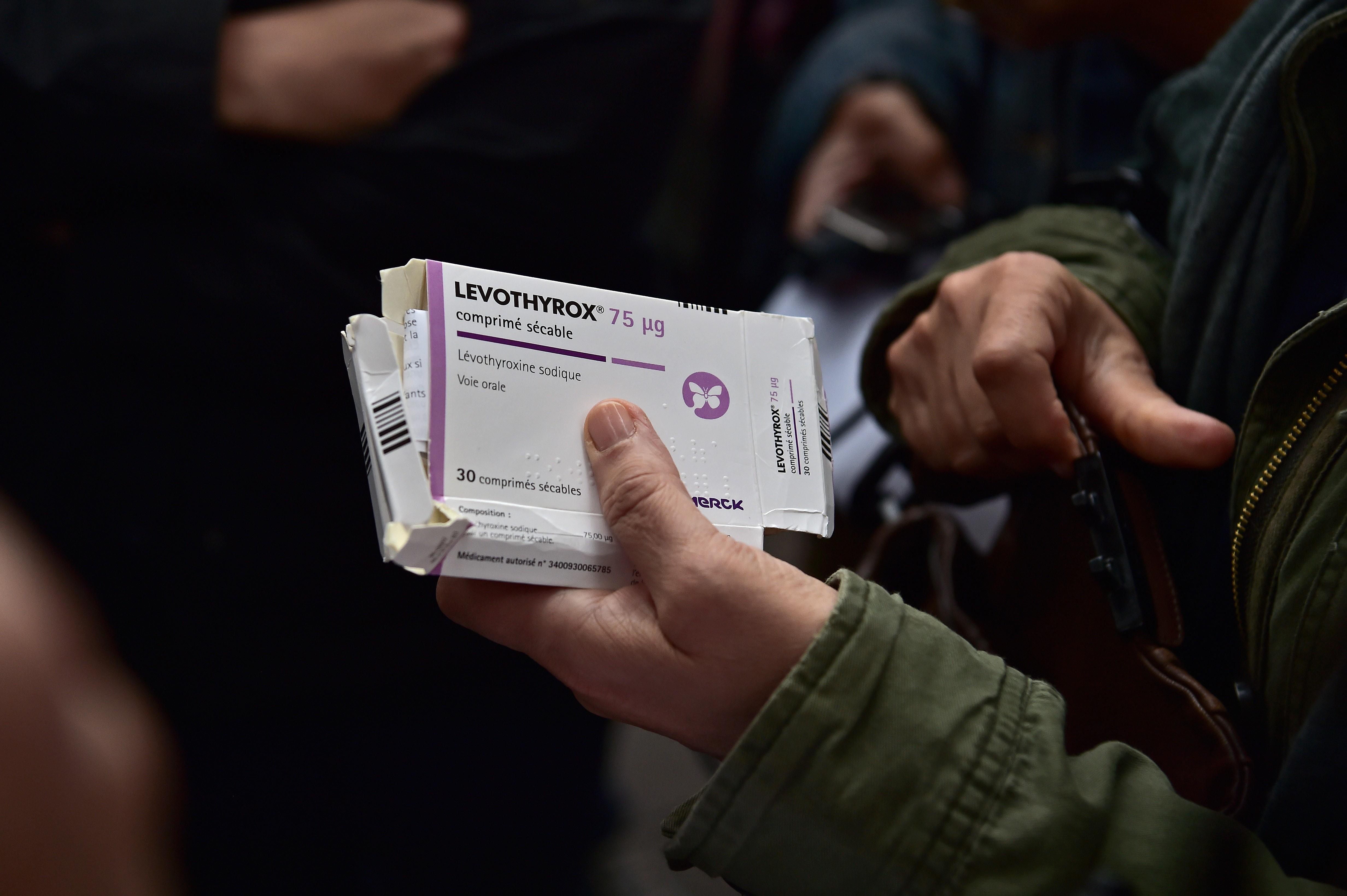 Lévothyrox : des patients dans la rue pour un retour à l'ancienne formule