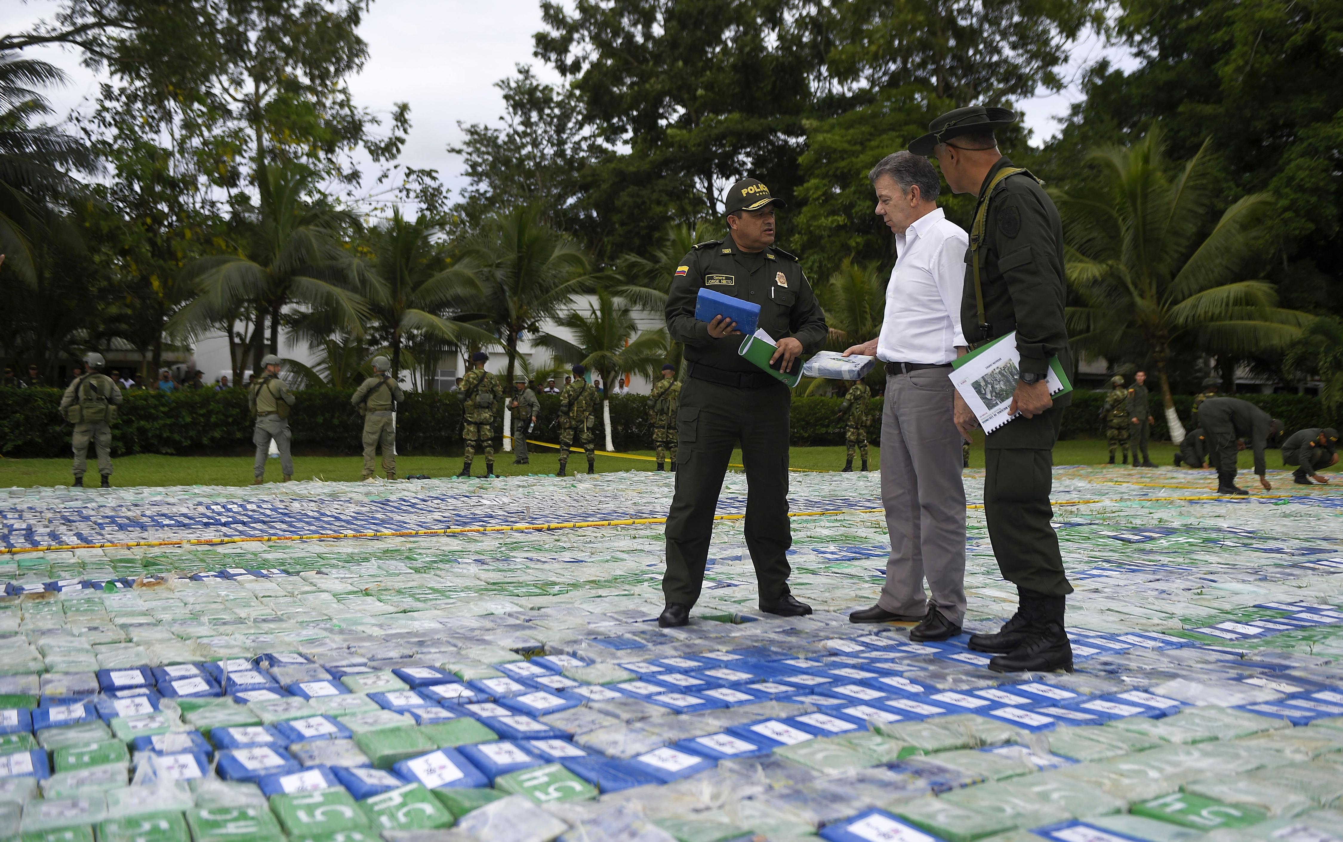 Des policiers colombiens découvrent douze tonnes de cocaïne, un record