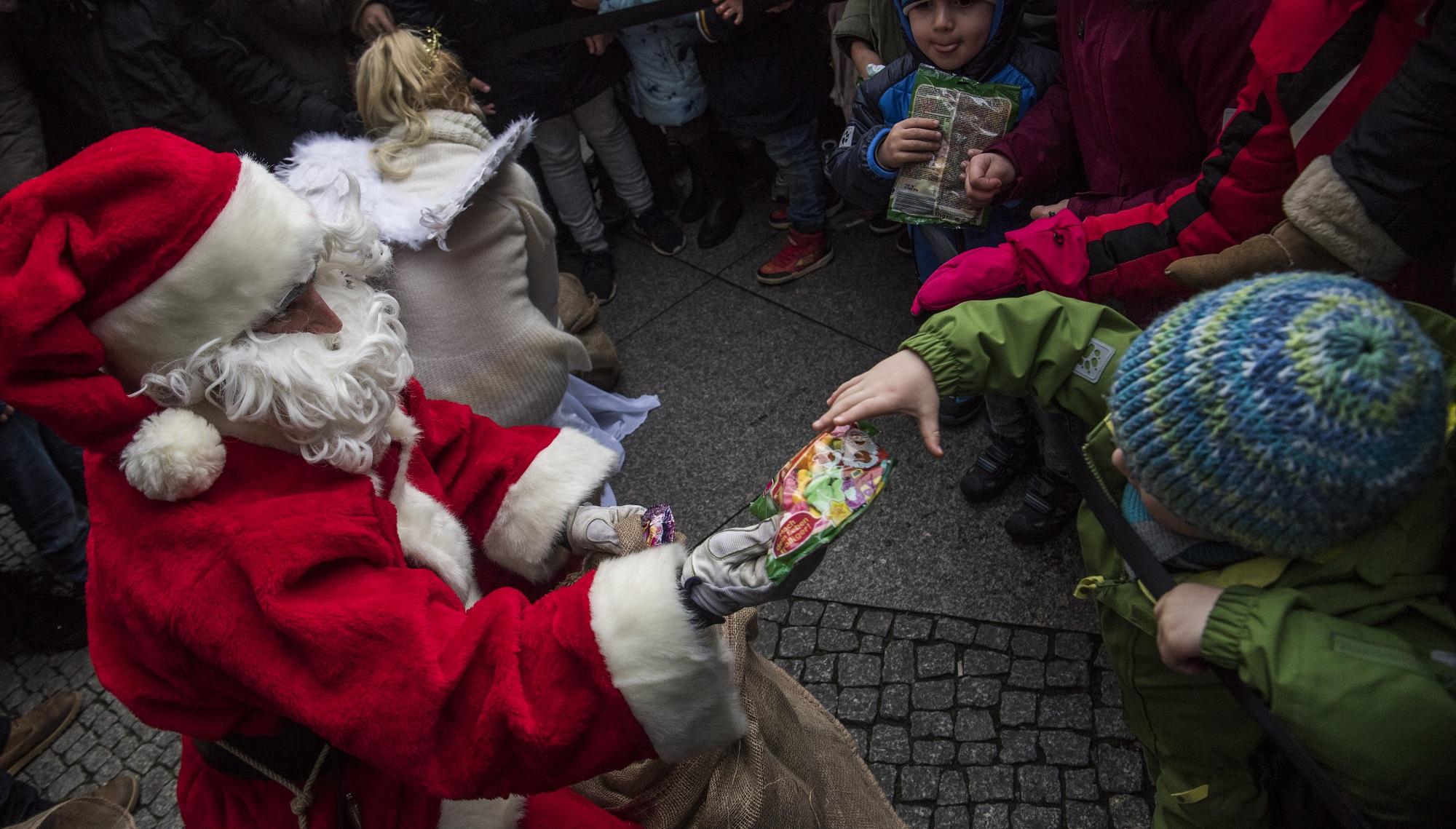 Bretagne: Sur le marché de Pontivy, le Père Noël était une ordure