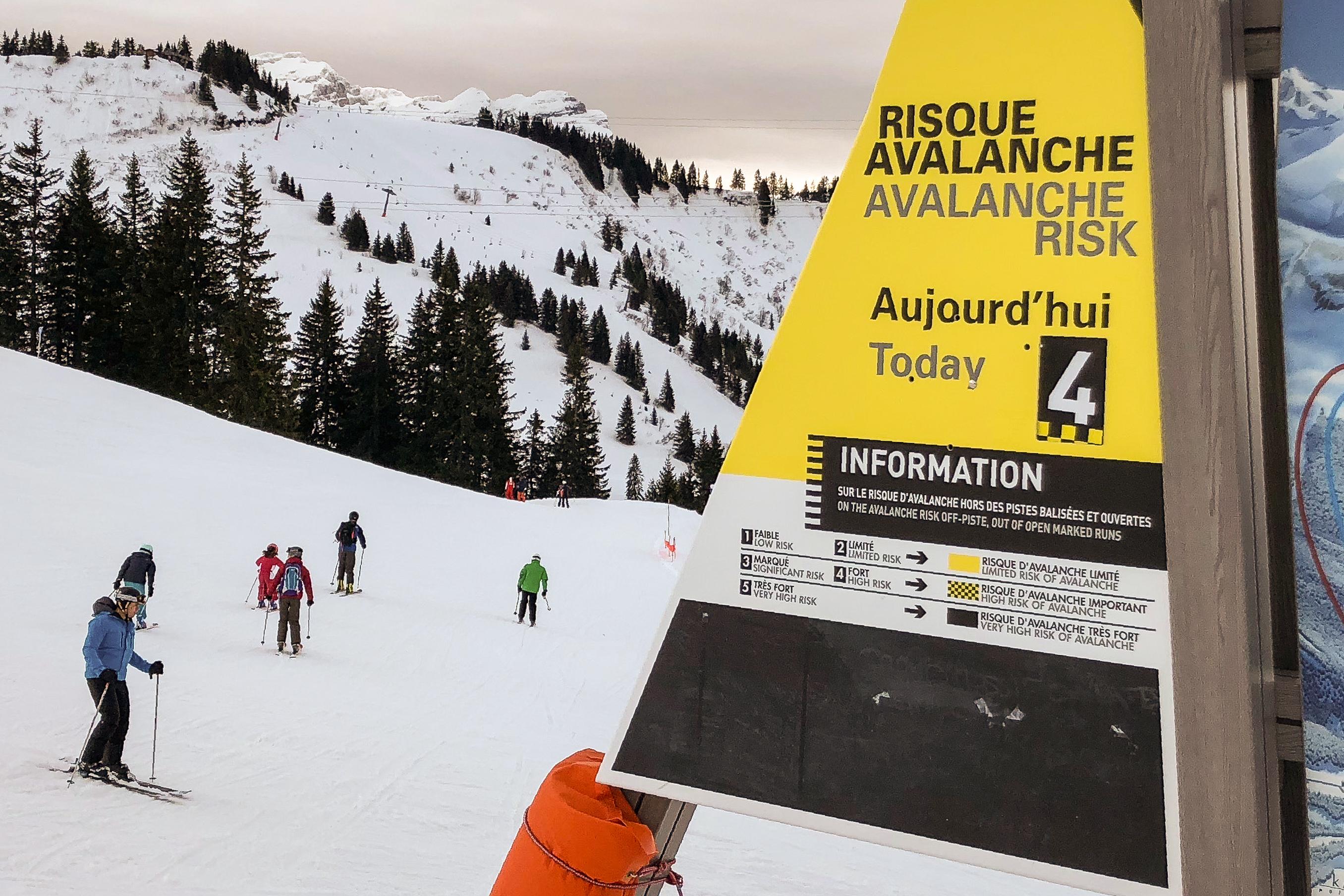 Pyrénées: une avalanche emporte un jeune skieur de 19 ans