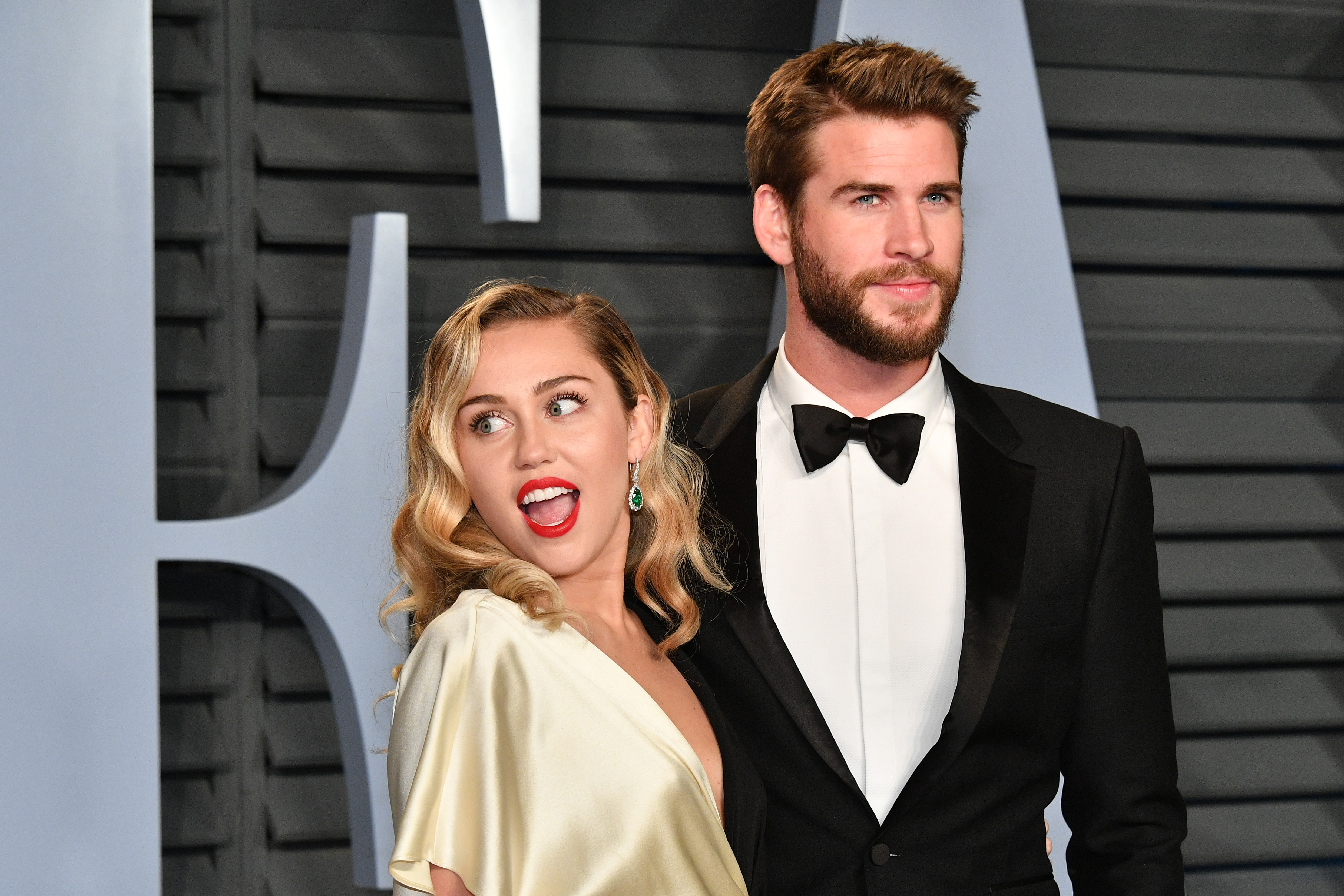Miley Cyrus  Les photos de son mariage enfin dévoilées