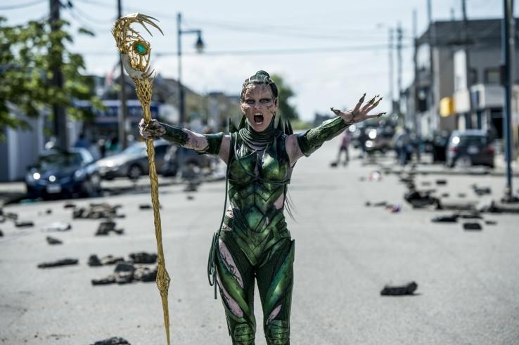 Attaque d'aliens pour la seconde bande-annonce — POWER RANGERS