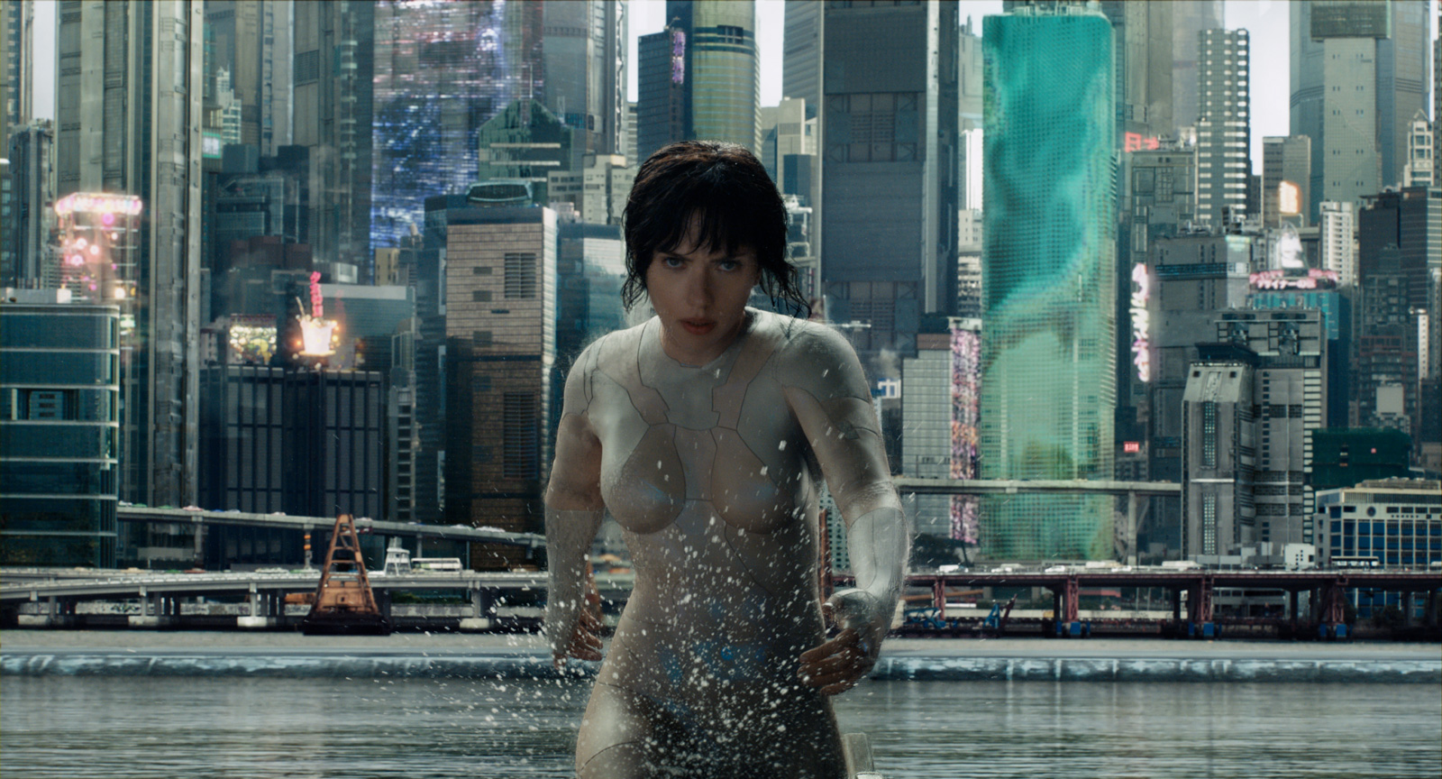 Scarlett Johansson, plus badass que jamais dans