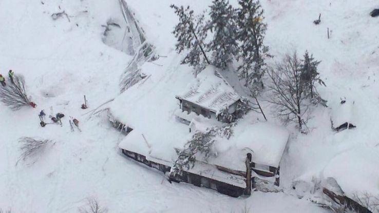 Italie : de nombreux morts dans un hôtel touché par une avalanche