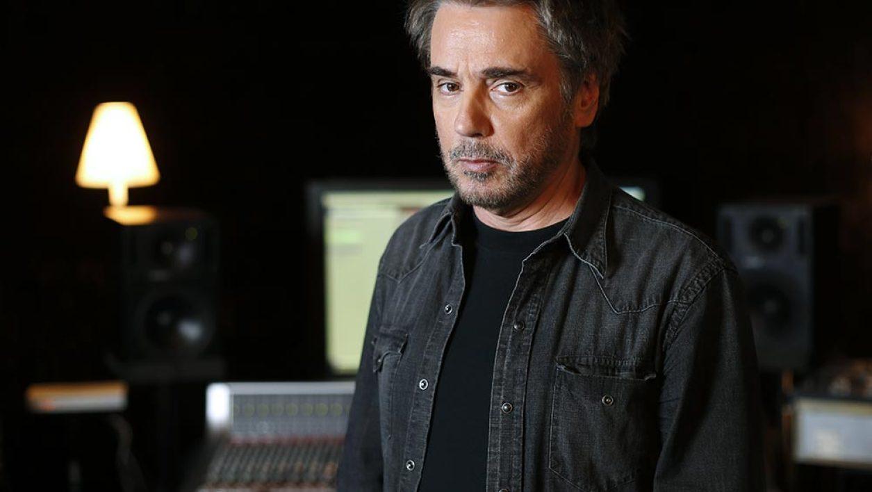 Jean-Michel Jarre en studio à Bougival, en septembre 2015