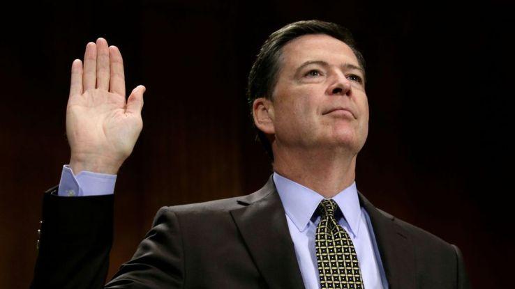 Trump traite l'ex-patron du FBI de