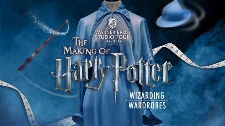 Les studios Warner Bros se transforment en exposition temporaire des célèbres tenues Harry Potter. Warner Bros