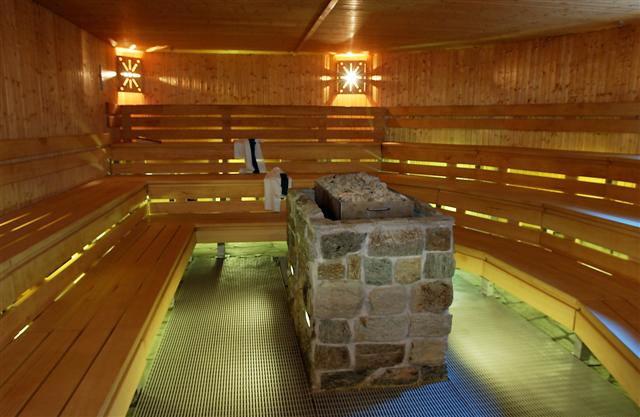 Un septuagénaire décède dans un sauna coquin — Nice