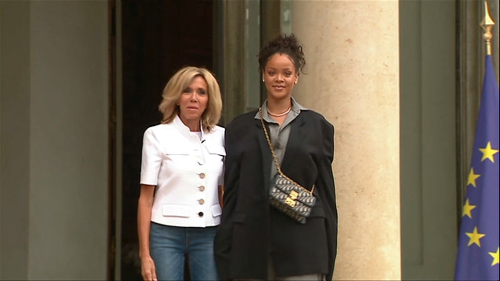 Macron va accueillir Rihanna à l'Elysée après avoir tweet