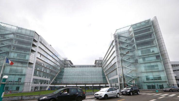 Paris: fermeture de l'hôpital Pompidou après un appel anonyme