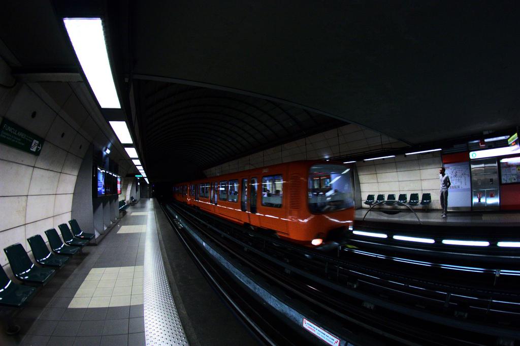 Lyon : une jeune-femme, victime d'un malaise, meurt percutée par le métro