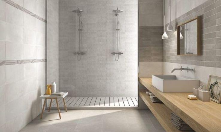 Un nouveau rev tement pour ma douche l 39 italienne sfr news for Combien de metre carre pour une salle de bain