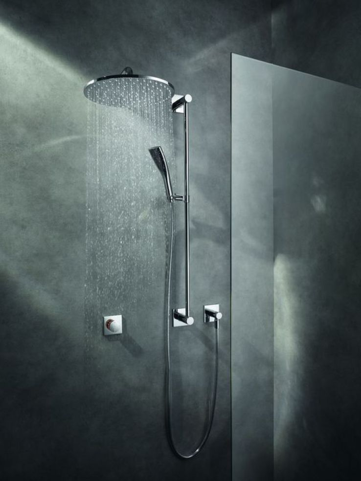 12 mitigeurs douche et baignoire retenir sfr news. Black Bedroom Furniture Sets. Home Design Ideas