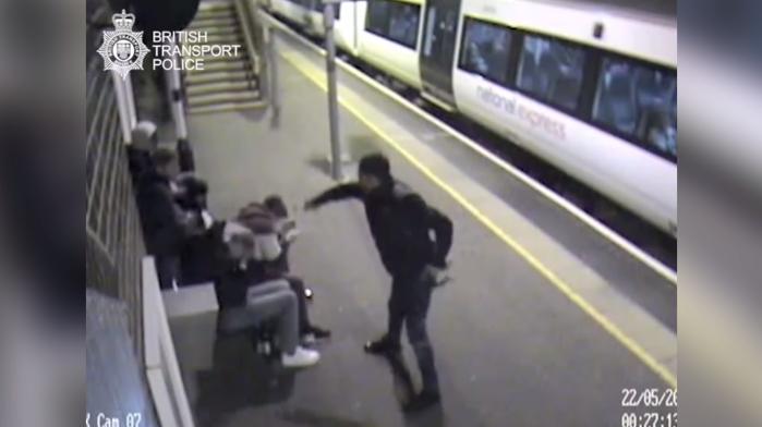EN VIDEO - La hausse impressionnante des attaques à l'acide à Londres