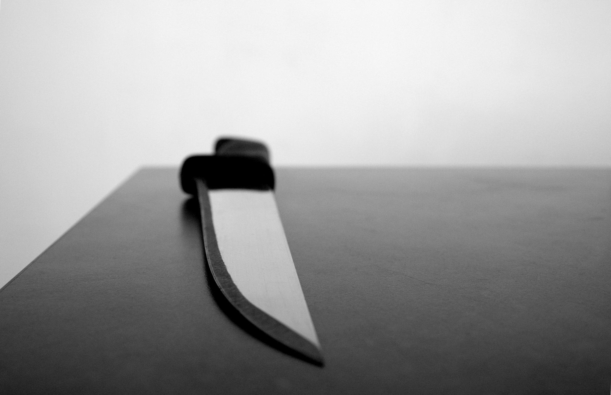 Rhône: elle poignarde à mort son mari qui voulait la quitter