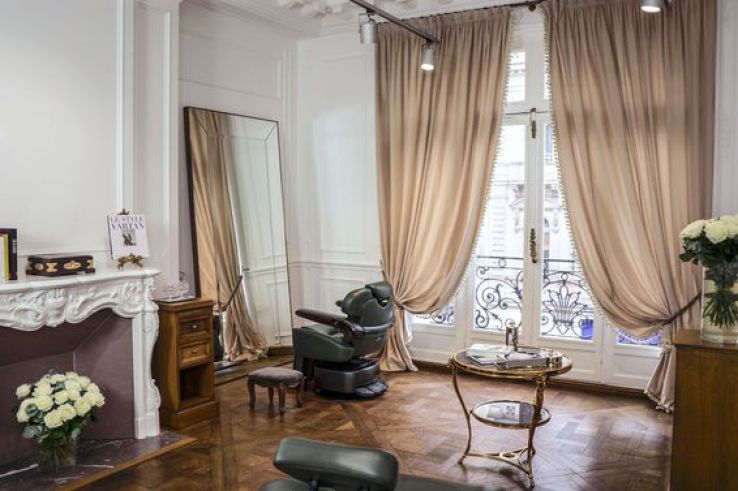 Le premier salon de coiffure balmain paris sfr news for Salon formation artistique paris