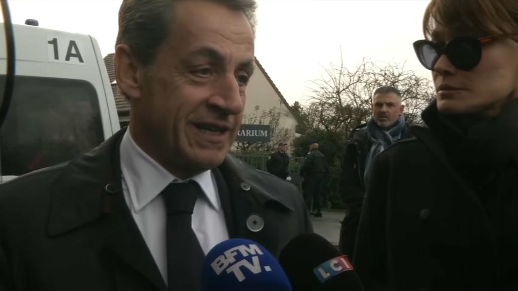 Nicolas Sarkozy s'est recueilli devant la dépouille de Johnny Hallyday