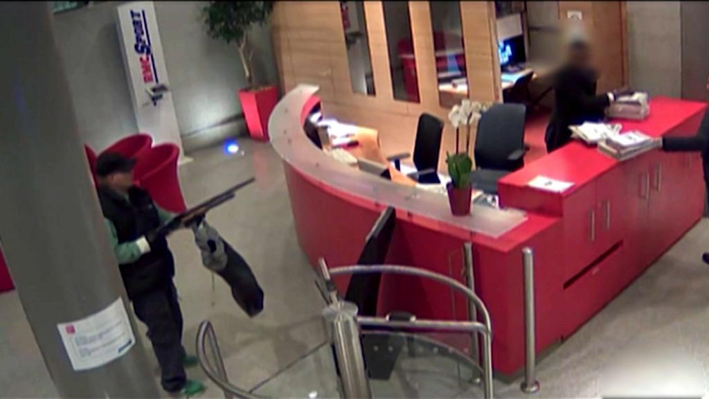Ouverture du procès d'Abdelhakim Dekhar, le tireur de BFMTV et de Libération
