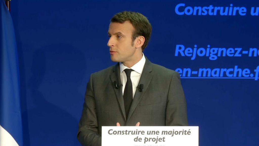 Le candidat veut porter plainte — Manuel Valls giflé