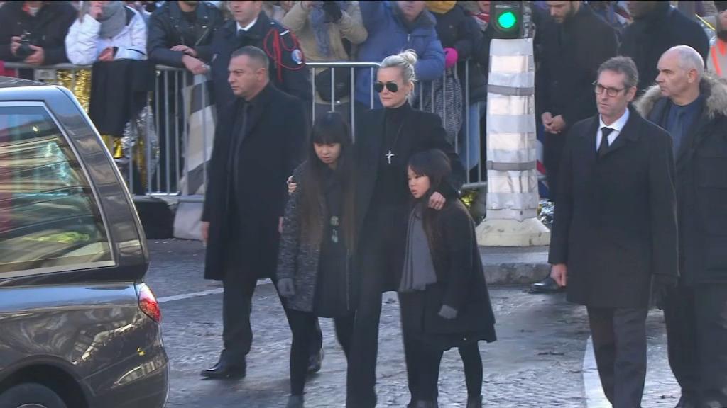 La nouvelle vie de ses filles Jade et Joy — Johnny Hallyday