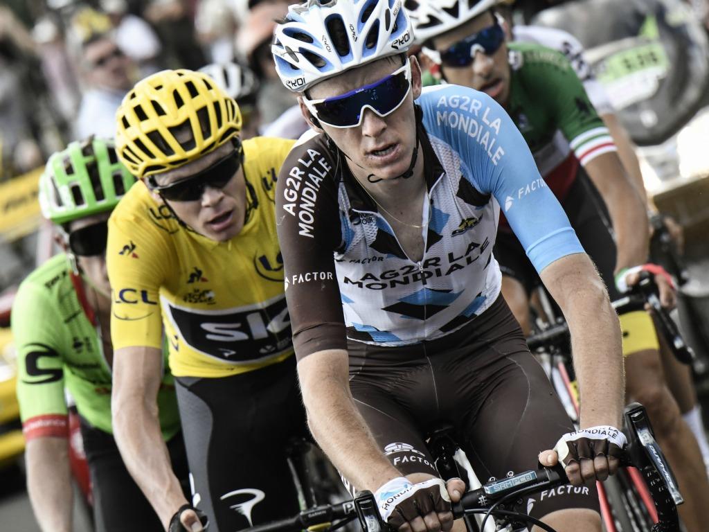 Romain Bardet devant Chris Froome