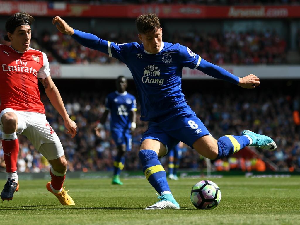 Ramiro Funes Mori (Everton) absent six à neuf mois