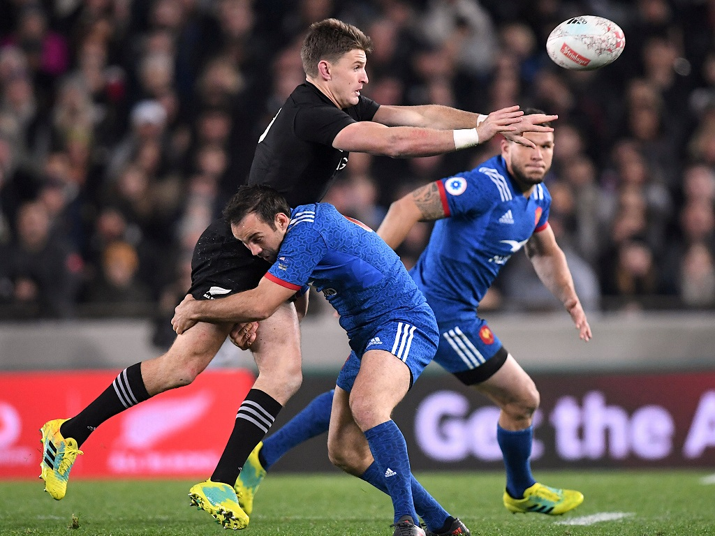 Beauden Barrett et Morgan Parra