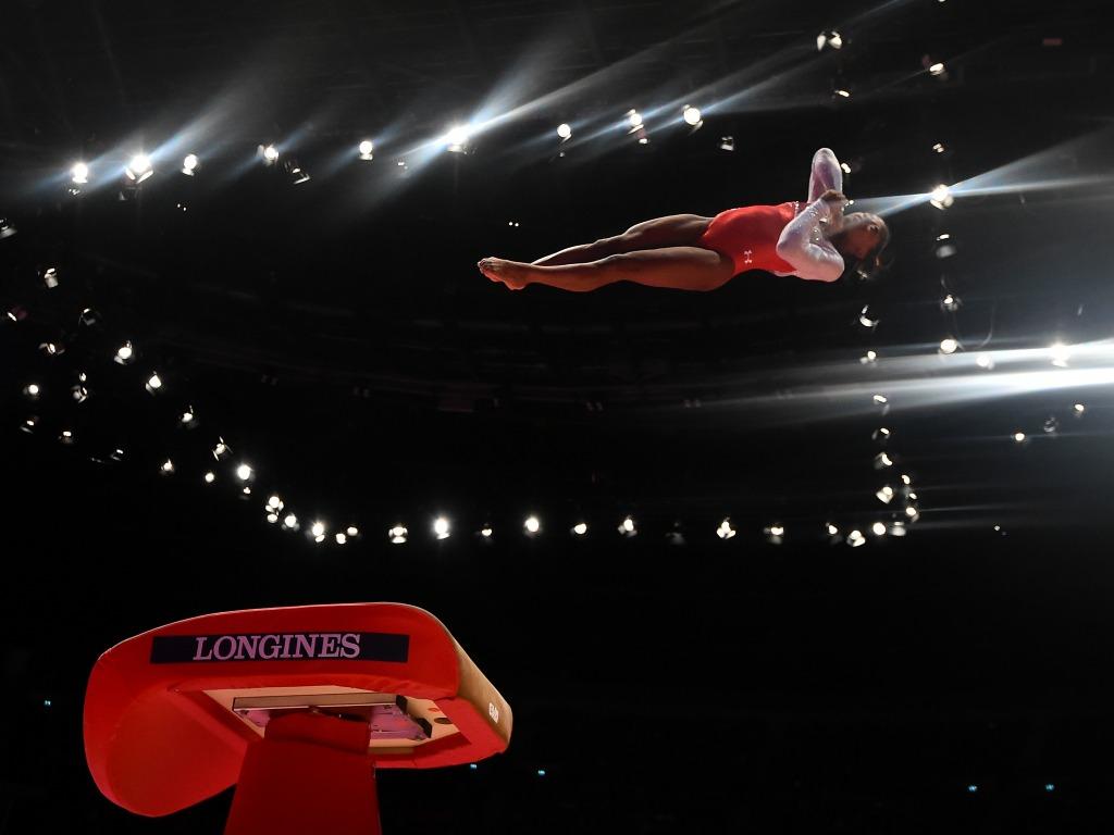 Comment la puce simone biles r volutionne la gym sfr sport - Table de saut gymnova ...