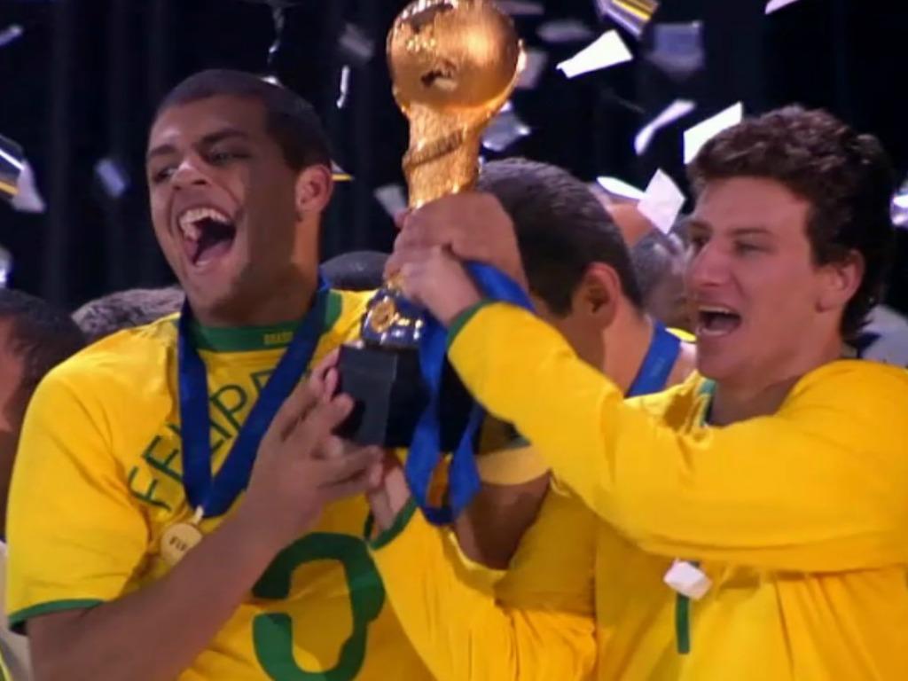 En video 2009 le br sil conserve son titre les etats unis impressionnent sfr sport - Coupe des confederations 2009 ...