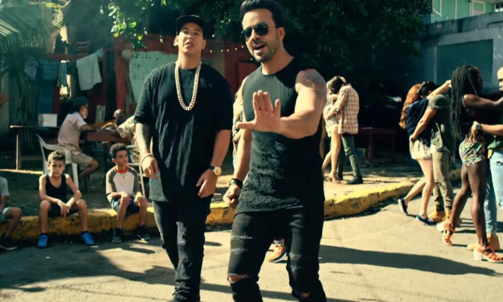 Luis Fonsi et Daddy Yankee dans le clip de