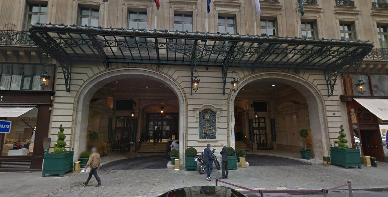 """Des salariés de la propreté en grève manifestent dans les """"beaux quartiers"""" de Paris"""