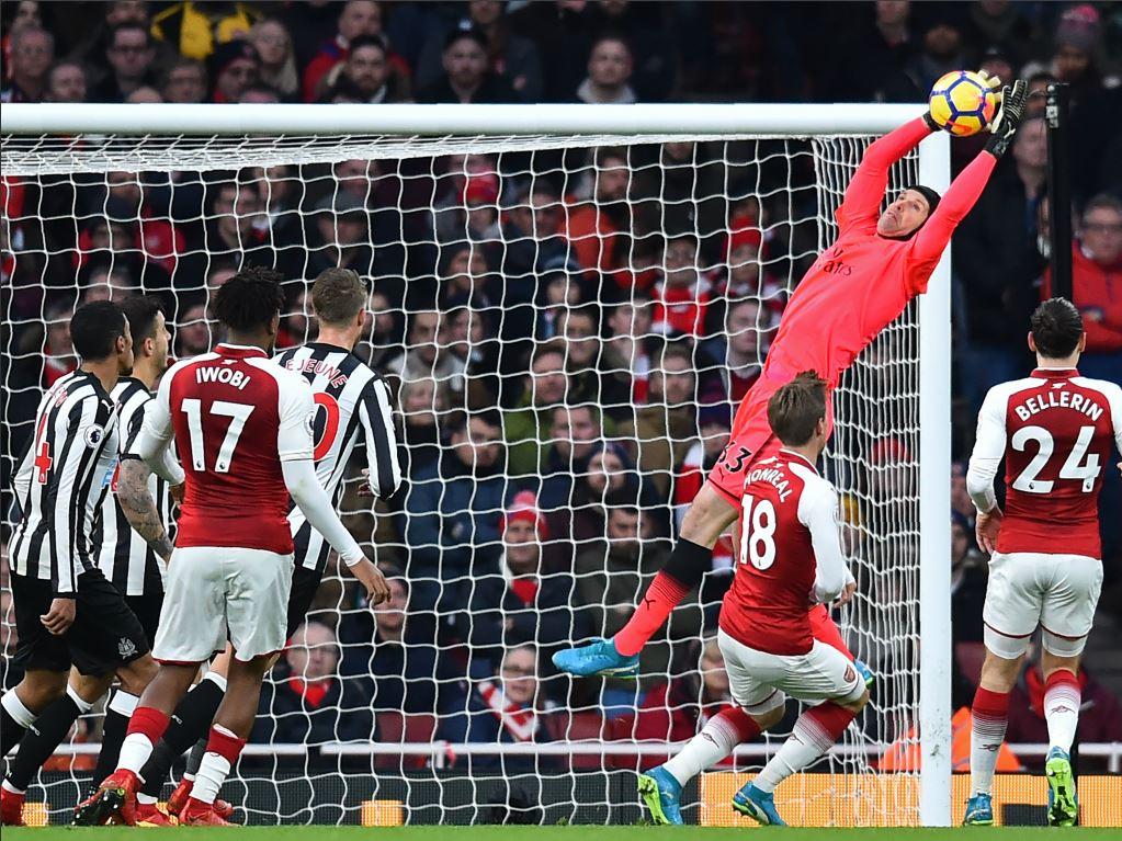 Lacazette pour mener l'attaque contre Liverpool — Arsenal