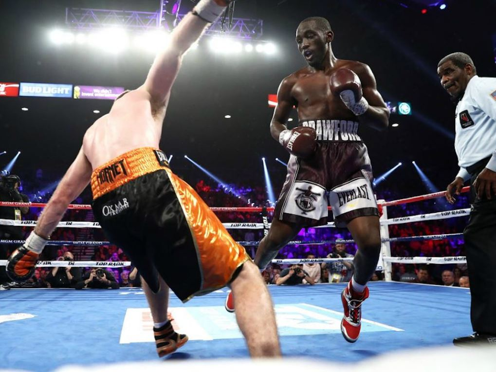 Terence Crawford (à drotie) face à Jeff Horn