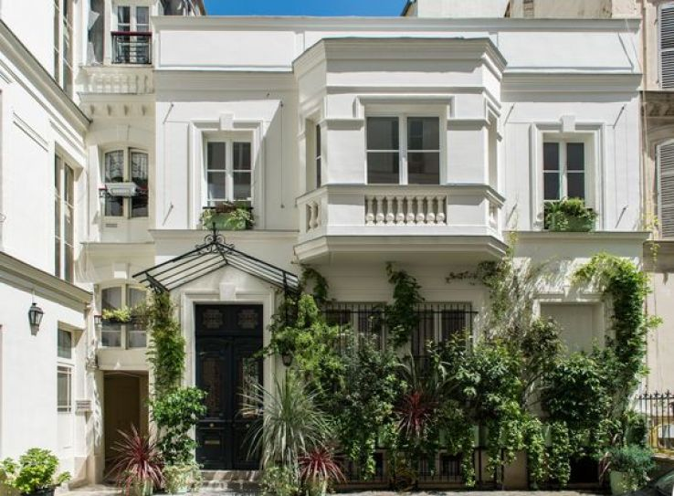 la villa rose un nouveau lieu d 39 exception paris sfr news. Black Bedroom Furniture Sets. Home Design Ideas
