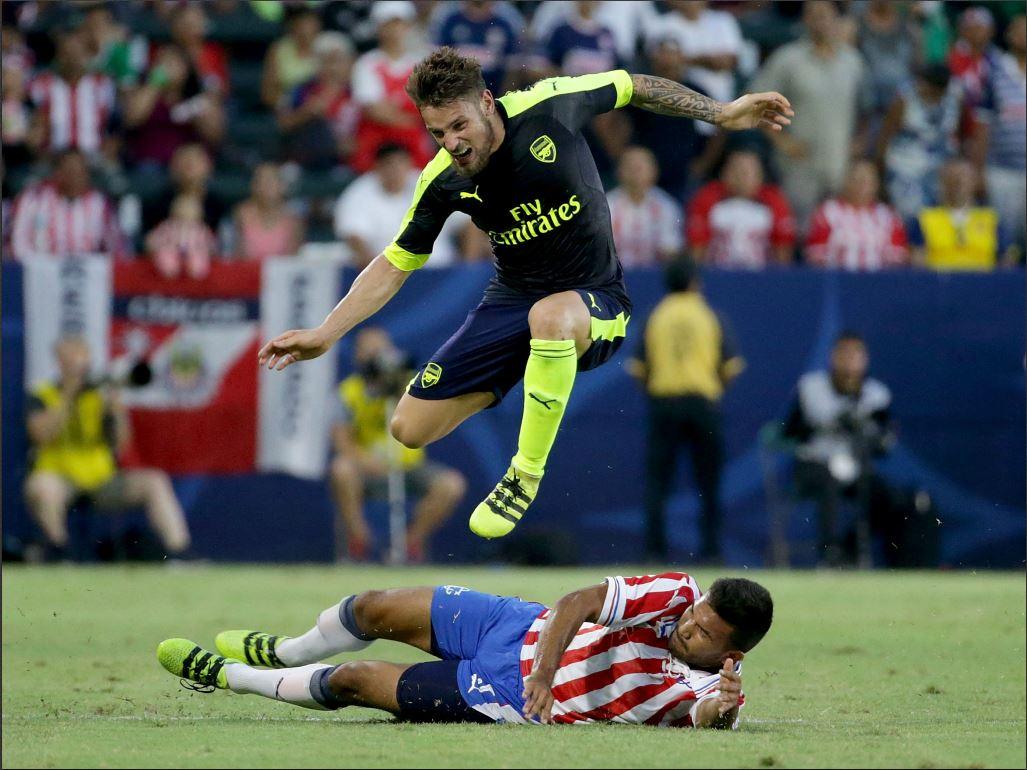 Fin de disette pour Debuchy — Arsenal