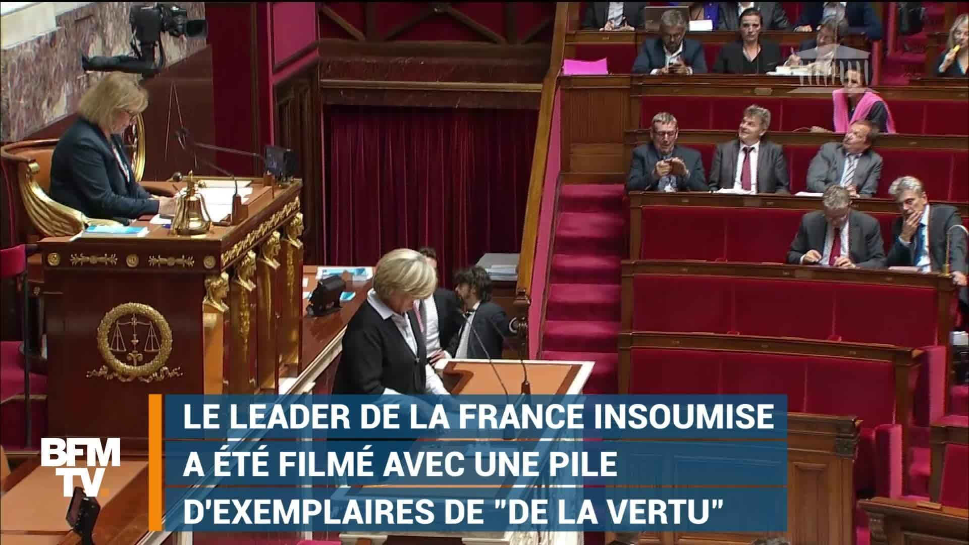En pleine séance à l'Assemblée nationale, Jean-Luc Mélenchon improvise une séance de dédicaces de son livre (vidéo)