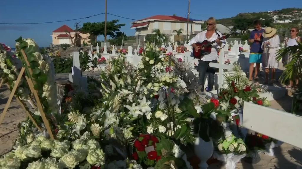 Johnny Hallyday sera inhumé dans l'intimité ce lundi soir à Saint-Barthélémy