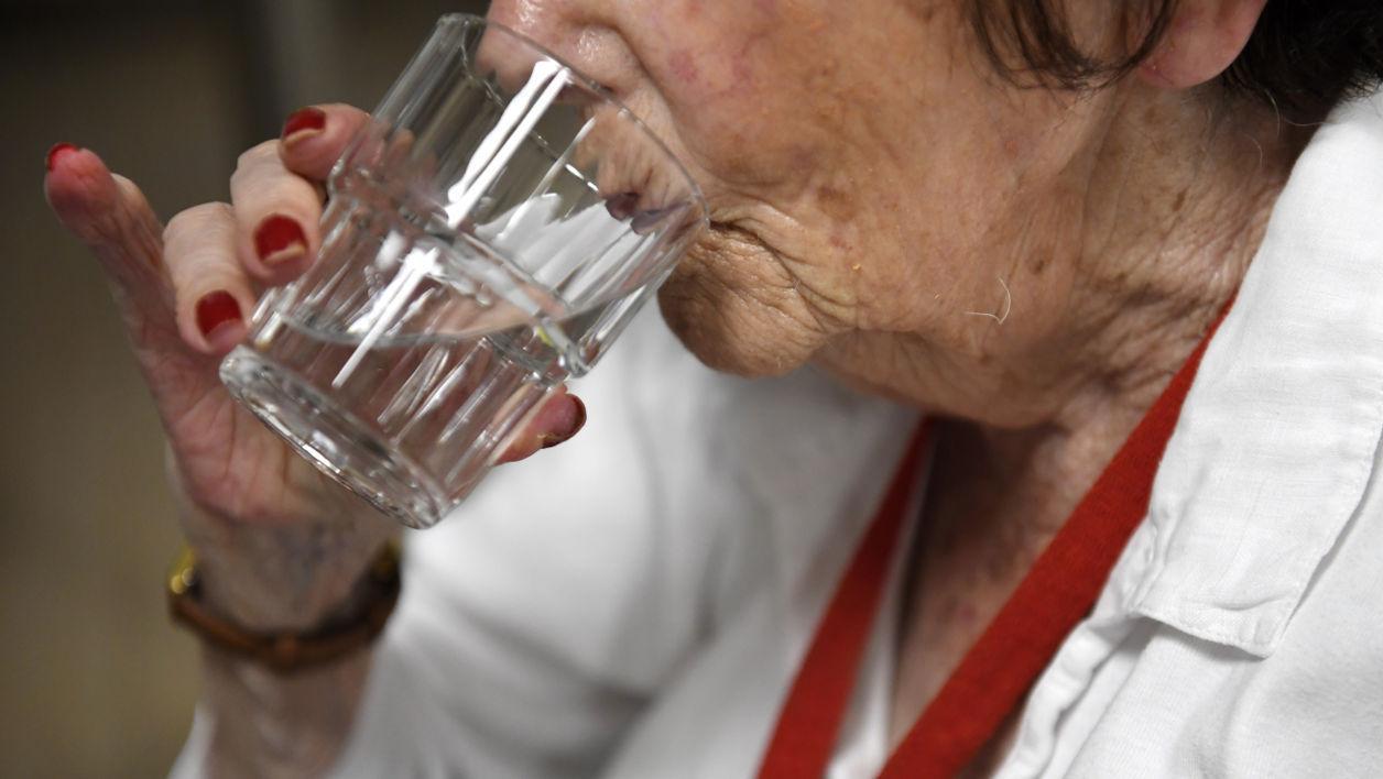 Boire, mais pas trop sous peine d'hyponatrémie. - Fred TANNEAU / AFP