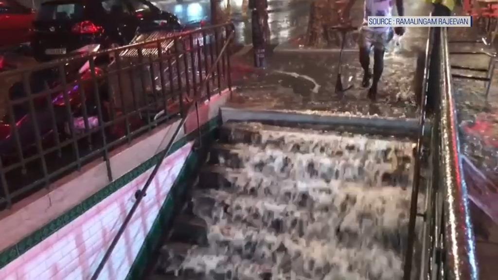Le métro inondé, les pompiers débordés (IMAGES) — Intempéries à Paris