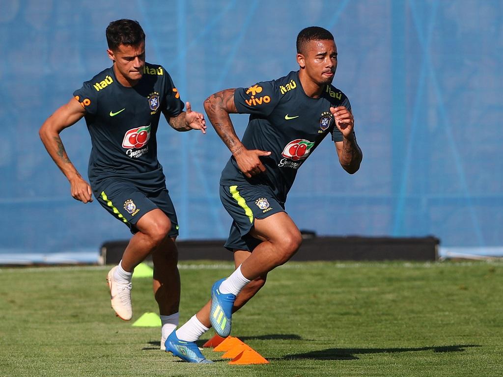 Gabriel Jesus et Philippe Coutinho